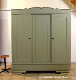 Grote 3 deuren  kledingkast / Demontabel / 4194