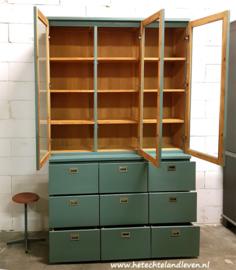 Verkocht / Schoolkast met 9 grote lade / e  4144