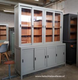 Verkocht Winkelkast /4 x  schuifdeuren / e 4096