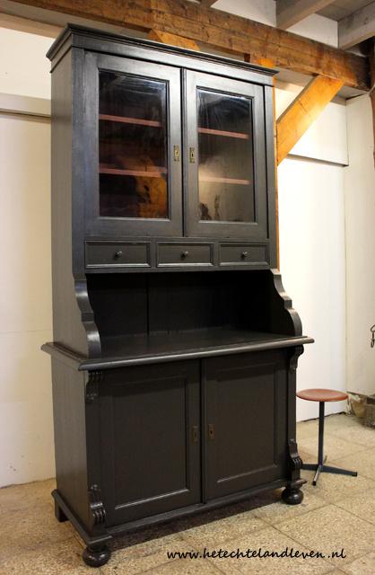 Gave oude buffetkast / 3095A