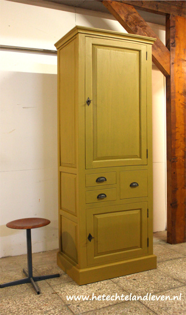 verkocht  Hoge kast/ 3 lades / 4134
