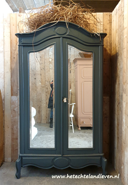 Verkocht / Landelijke kast/ facet geslepen spiegels / Demontabel / e4176