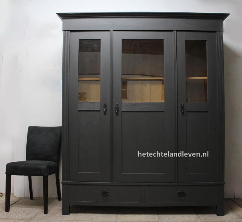 Schoolkast , 3 deuren , industrieel interieur