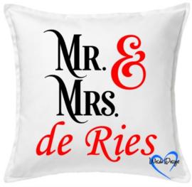 Kussen Mr. & Mrs. (naam)
