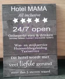 Hotel Mama  behang motief