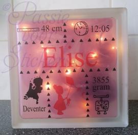 Glasblok met geboortegegevens