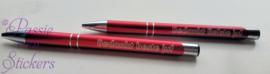 Rode pen met tekst. bedankt beste/liefste juf