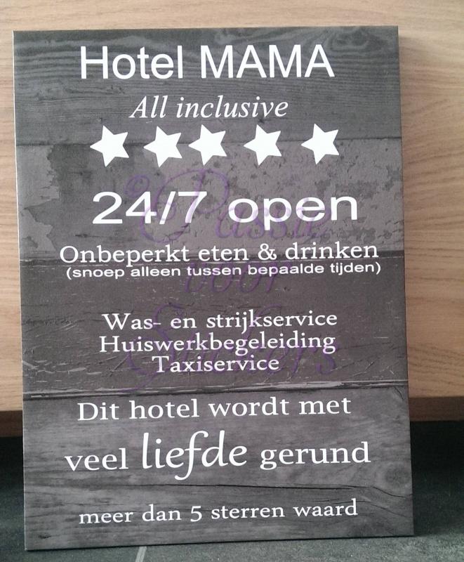 Behang Steigerhout Motief.Hotel Mama Behang Motief Papa Mama Passie Voor Stickers