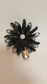 Showspelt zwart / zwart zilver groot