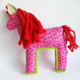 paard met kersenmotief