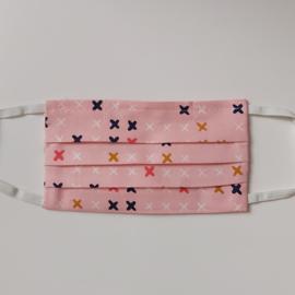 mondkapje (roze met kruisjes- maat S)