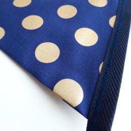 vlaggetjes (donkerblauw met gouden stippen )