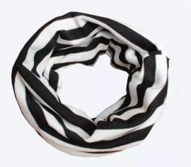 Black/white collar scarf