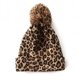 Leopard pom pom beanie camel