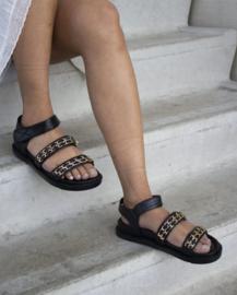 Chain sandal