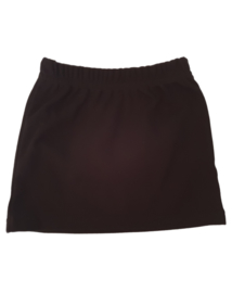 Black basic skirt