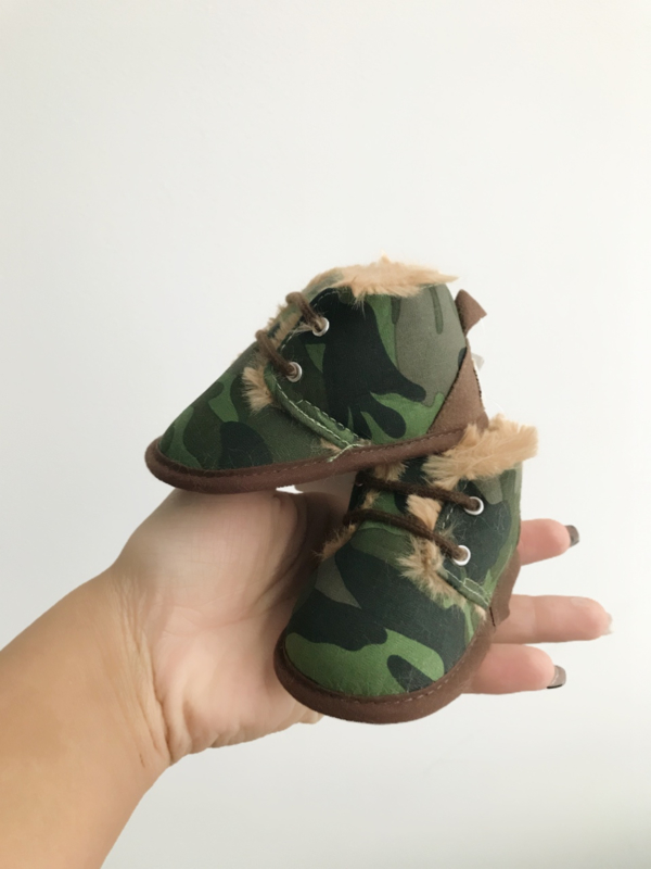 Furry booties camouflage