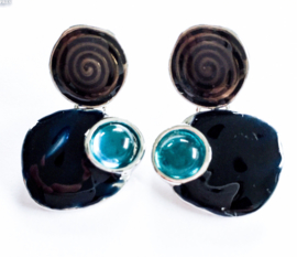 Kleine oorbelletjes spiraal blauw
