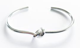 Verzilverde armband knoop 2