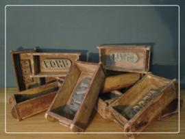 Stoere oude houten steenmal