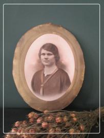 Antiek vrouwen portret zonder lijst