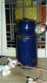 Oude brocante melkbus - blauw