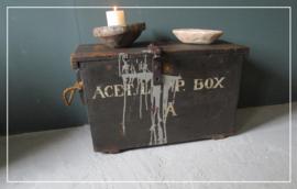 Stoere oude kist koffer (k013)