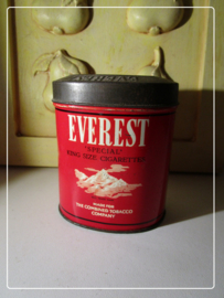 "Ovaal blik ""Everest King Size Cigarettes"" rood"