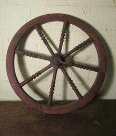 Oud brocante houten wiel