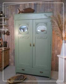 Groene Art Deco kast, linnenkast