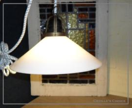 Brocante glazen lamp met stoer strijkijzersnoer