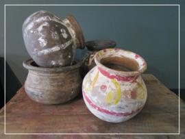Oude tuimelpotjes oliepotje van aardewerk