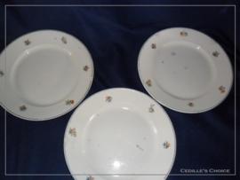 3 antieke Franse ontbijtbordjes - Demi porcelaine Badonviller