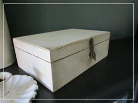 Klein brocante kistje vakkenkistje hout