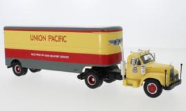 IXO 224301 Mack B 61 Union Pacific 1:43