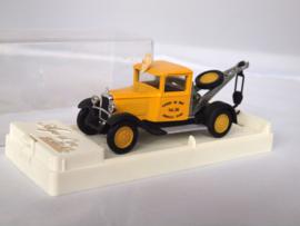 Solido 4410 C4F kraanwagen geel 1:43
