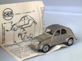 IDEM Citroen 2 CV prototype 1939, witmetalen kit  1:43
