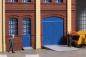 80255 poorten, deuren blauw en stoepen grijs