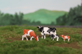 HVPS202 Holstein Zwartbont en Roodbont, set met 4 koeien 1:87