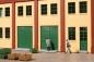 80256 poorten, deuren groen en stoepen grijs