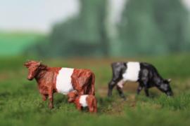 HVPS 204 Lakenvelder set met 3 koeien 1:87