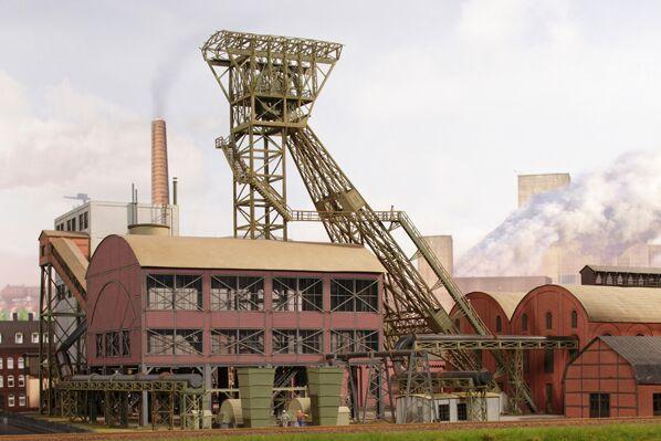 JW 17011 Mijnschacht gebouw HO