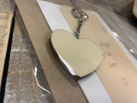 Kaart met houten hartsleutelhanger (fries)