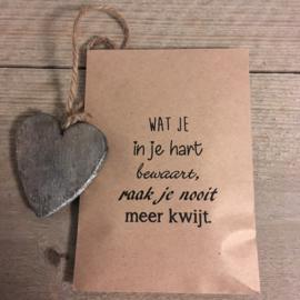 kraft zakje met hart,  wat je in je hart bewaart