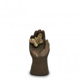 Geert Kunen urn, UGK 006 handje met vlinder
