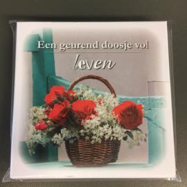 Een geurend doosje vol leven 'mandje met rozen'