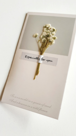 Kaartje droogbloemen beige