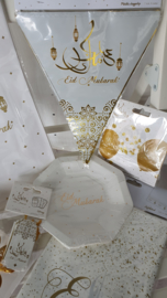 Papieren bordjes Eid Mubarak goud wit (8st)