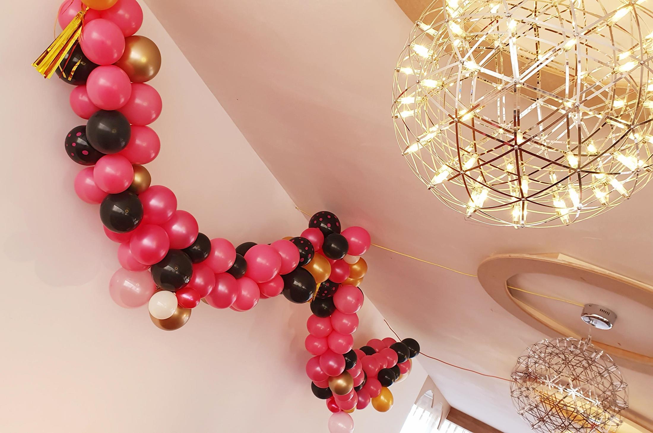 Garland roze zwart