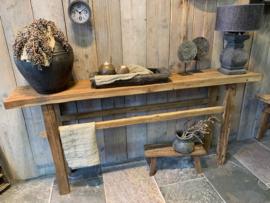 robuuste oud houten  muurtafel / sidetable